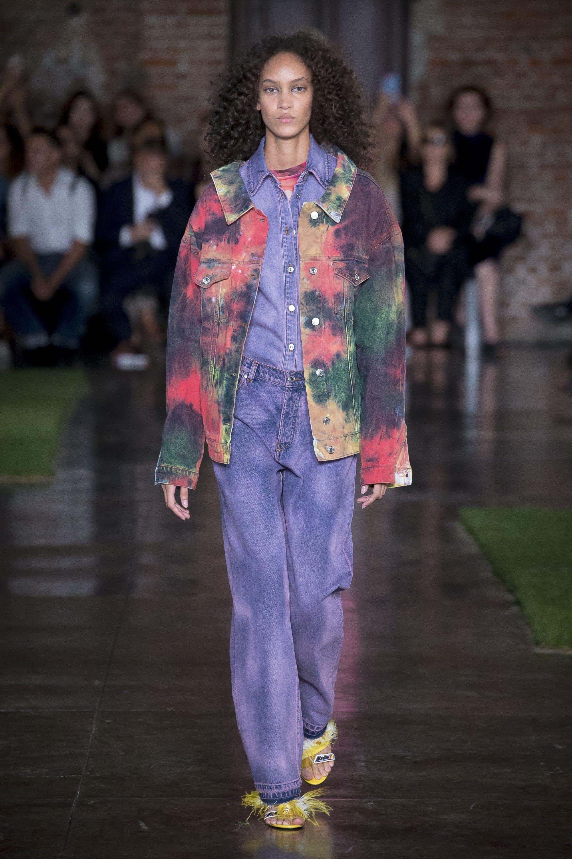 Многослоность в джинсовой моде