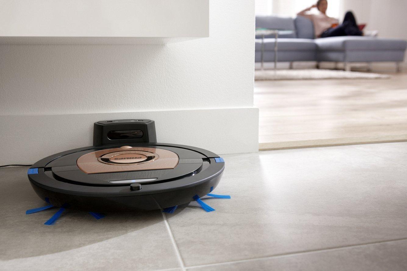 Робот-пылесос в квартире