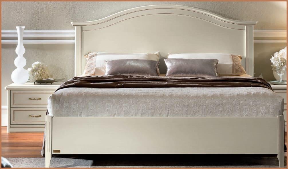 Кровать производство Италии