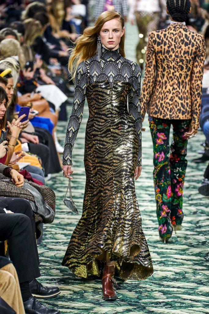 Леопардовый принт в платье Paco Rabanne