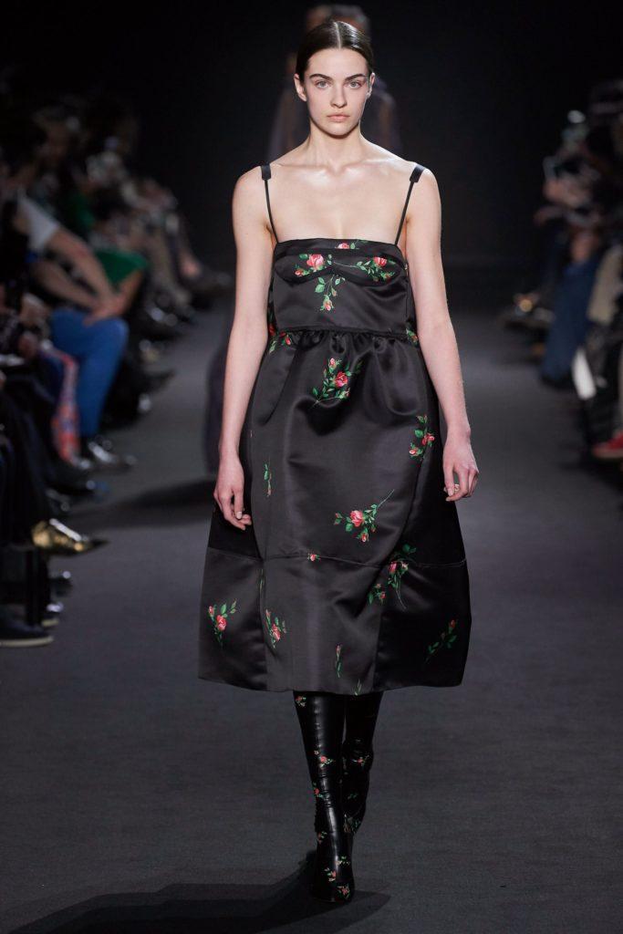 Платье Rochas принт- редкие розочки