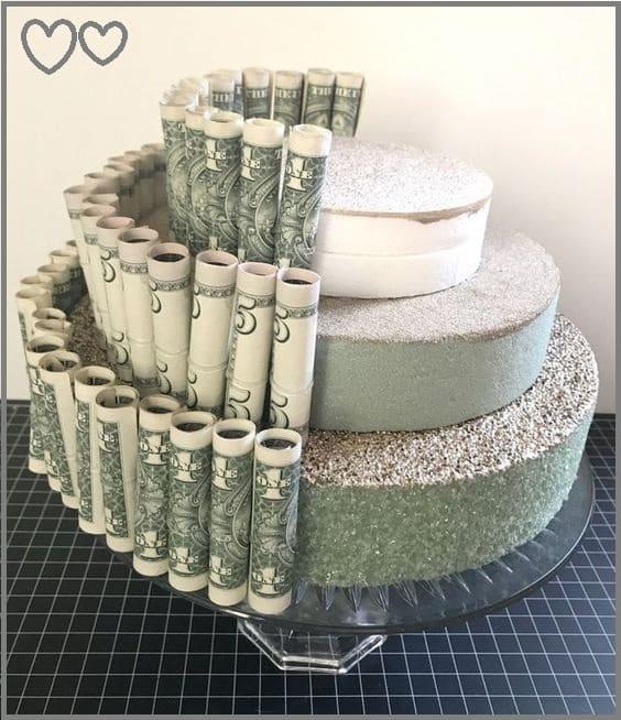 Свадебный торт из денег